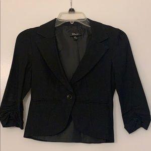Is Byer Black 1 button 3/4 sleeve blazer